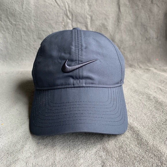 830054c03e0f8c Nike dri fit navy blue women's golf hat EUC. M_5cb1fb887f617f981450cdf3